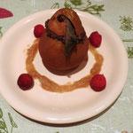 Poire fourrée de mousse au chocolat