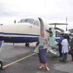 ...denn erst am nächsten Morgen ist der Flughafen Pokhara wieder frei gegeben zur Landung (dieser Regen....!)