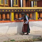 Schönes Foto mit bitter-ernstem Hintergrund. Hier ist das Auffanglager für tibetische Flüchtlinge in Kathmandu