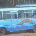 Zum Glueck faehrt der Friedensbus bald los!