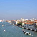 ...in den Hafen von Venedig!