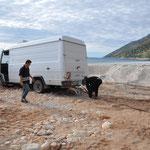 Die 3 Albaner und ihr festgefahrener Benz