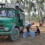 Wir machen unsere Wassertanks voll