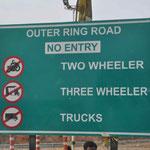 Warum bauen die Inder eine Umgehungsstraße für kleine Autos und große LKW müssen mitten durch die Stadt???