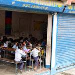 Schule mit europäischer Hilfe errichtet.