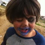 Na Theo? Kinderschminke gegessen?