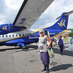 ....mit der ATR 42 in die Lüfte geht. (Ja, die Socken sind schick...)