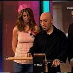 Presentación del theremin a Ana y Boris Izaguirre