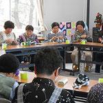 2013.5月 柚木仮設集会所 棒針ふさふさマフラー講習