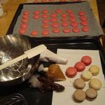 Macarons et ganache confectionnés à l'atelier