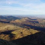 07-11-15 Vue sur la Chaîne des Puys, dont le puy du Pariou