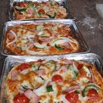 おなじみの石窯ピザ