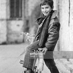 Mehdi dans les rues de Saint-Cyr-sous-Dourdan en 1965