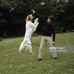 En 1970, Mehdi et Roxane dans le parc du Moulin Bleu © gettyimages