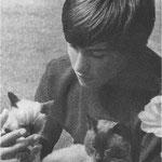 Mehdi et ses chats siamois en 1973