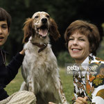En 1970, Cécile Aubry, Mehdi et Roxane dans le parc du Moulin Bleu