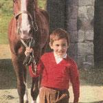 Cavalier pour ses séances d'équitation à la ferme des Tourelles