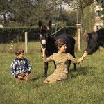 Avec le poney Paquita et l'ânesse Samba © beppe cecchetti