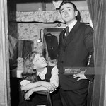 Cécile Aubry dans sa loge du théâtre du Grand Guignol