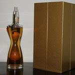 Mazzetti Essentiae Vitae Brandy: 20 years aged wine distillate in hand-blown crystal decanter. Gift box/stand 1 ltr / 43%