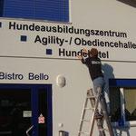 CNC Gefräste Einzelbuchstaben auf Fassade
