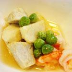 里芋とエビの中華あんかけ エネルギー;98㌔㌍ タンパク質;3.0㌘  塩分;0.6㌘