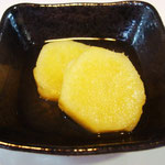 さつま芋の甘煮 エネルギー;71㌔㌍ タンパク質;0.5㌘  塩分;0㌘