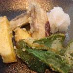 野菜の天ぷら エネルギー;175㌔㌍  タンパク質;1.6㌘  塩分;0.2㌘