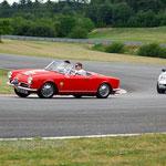 L'Alfa Roméo Spider 1600 de Bernard Cremers toujours sur la bonne trajectoire.