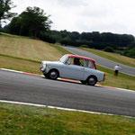 Sur le circuit de Mornay, c'est Jean-Pierre Jabouille himself qui a pris le volant de la charmante Autobianchi Bianchina.