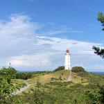 """Auf Grund seiner Lage auf einem 72 Meter über dem Meer ansteigenden Dornbuschhügel auch """"Leuchtfeuer Dornbusch"""" genannt"""