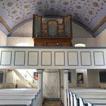 Empore mit der alten Orgel