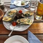 Überbackene Austern als Vorspeise. Die waren schon sehr lecker