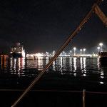 """Was ich nicht wusste - wir liegen direkt an der """"Wendestelle"""" der Großschifffahrt. Es war seeehr laut!"""