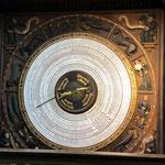 Das ist die berühmte Weltzeituhr aus dem Jahre 1643