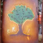 "Grimoire en cuir ""arbre""."
