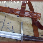 Fourreau pour épée en cuir réalisé par Benoît