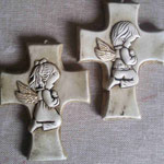 Cruz angelitos incados $ 28.00