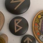 Botones Ceramica con Runas Celtas