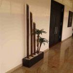 Jardineras Interiores con Plantas Artificiales