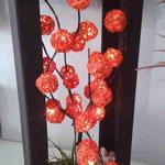 Lampara Esferas Metalicas Barril Ch con Follaje y Piedras $ 650.00