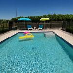 Profiter de la piscine / Au mas de Janita ©