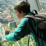 ... und Besichtigung des Rheinturmes neben dem Landtag