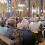 Die Basilika bei einem Gottesdienst