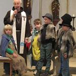 Rollenspiel zum Franziskusfest, hier mit Pater Bernardin Schröder, Neviges