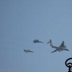 Militärflugzeuge über Moskau