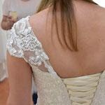 Träger neu kreiert für trägerloses Kleid