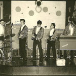 THE GOLDEN JAGUARS - Badewanne Berlijn,  juli 1965 - vlnr: Tom Wierenga, Jan Bijl, Peter Hulscher, Reinoud Bish, Jan ?