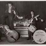 Eerste promotie foto's Hotel De Schuur, Breda 1957 als The 4 T's