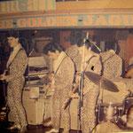 THE GOLDEN JAGUARS (ca. oktober 1964 - Moulin Rouge, Luik of Bochum) - vlnr: Nino van der Sluijs, Peter Hulscher, Raymond Brugman, Ernst van Heeckeren van Waliën, Peter Axt